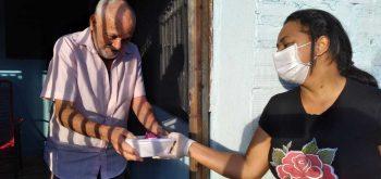 Secretaria de Assistência Social promove jantar para idosos do grupo conviver